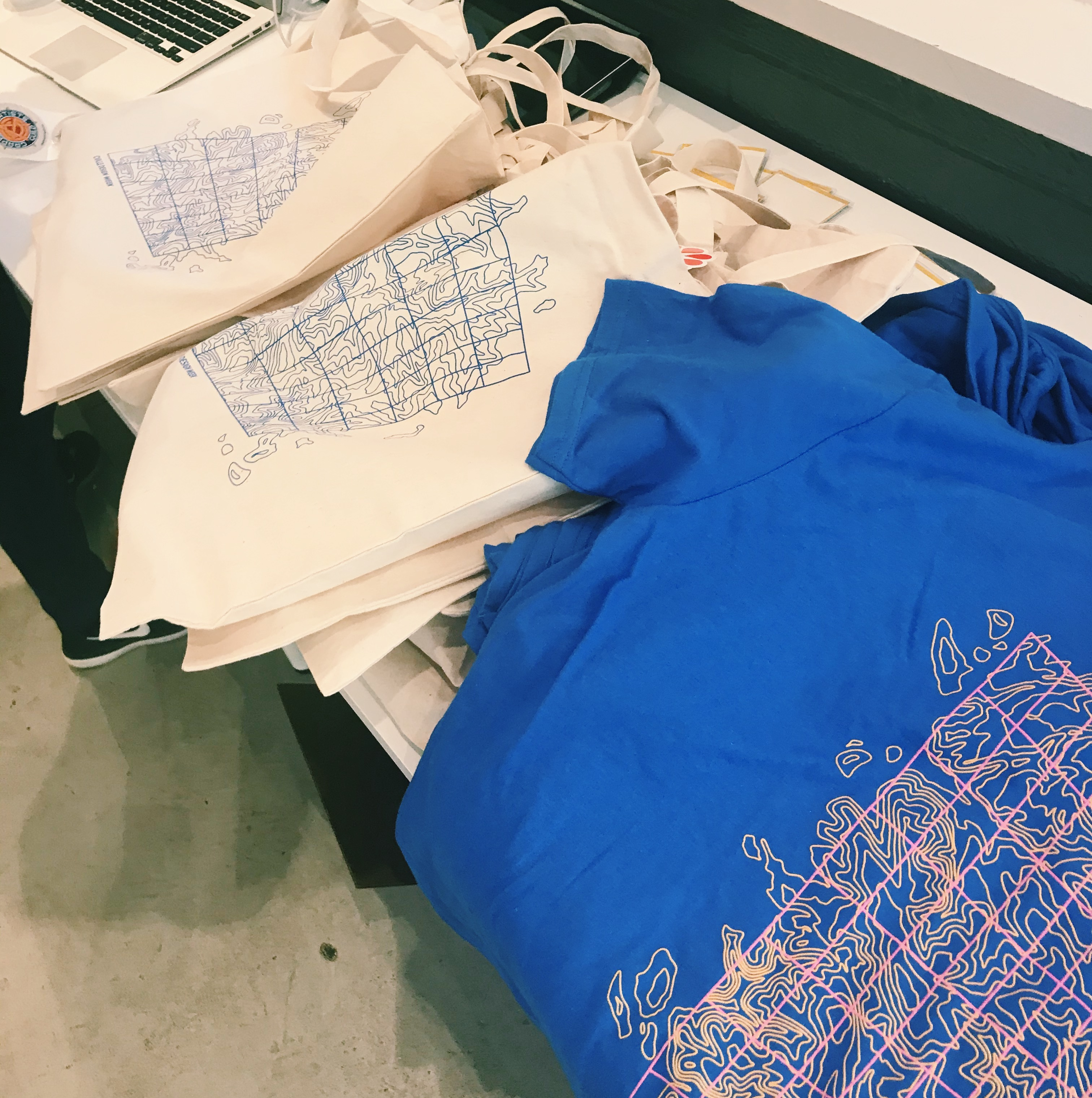 totebags and t-shirts display